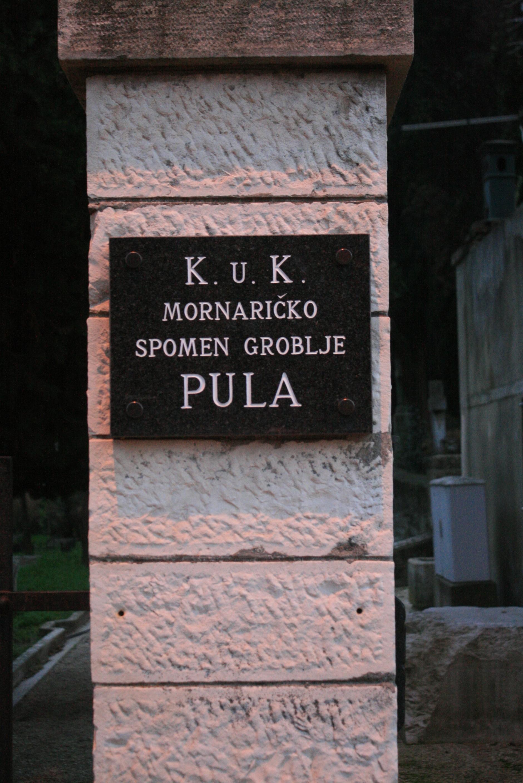 Cimitero Marina Pola2
